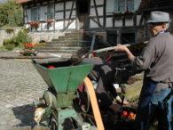 Broyage des pommes à la Maison Rurale